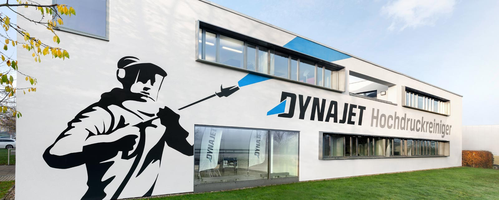 DYNAJET is an innovative company specialising in professional high-pressure water cleaners and accessories for almost every professional situation