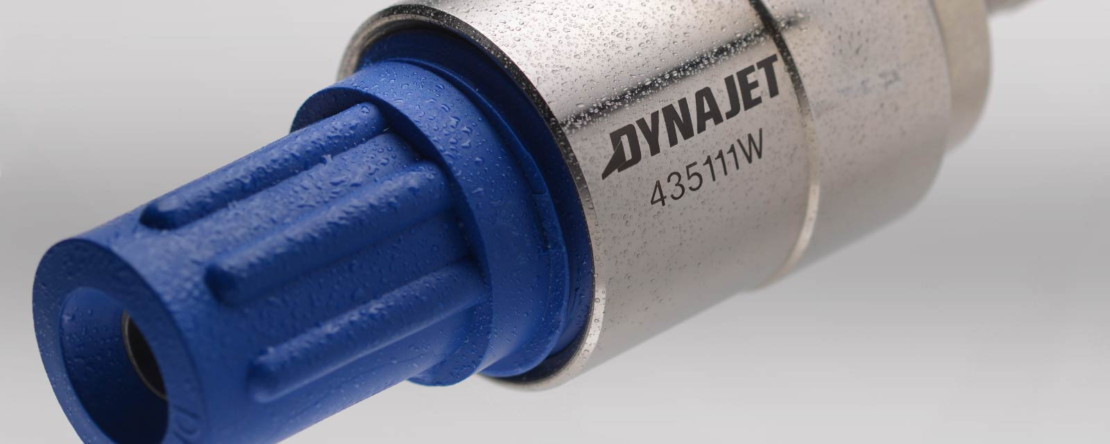 DYNAJET WSS500 and WSS1000 water sandblasting systems are fast and efficient at cleaning, paint stripping, removing rust or preparing substrates.