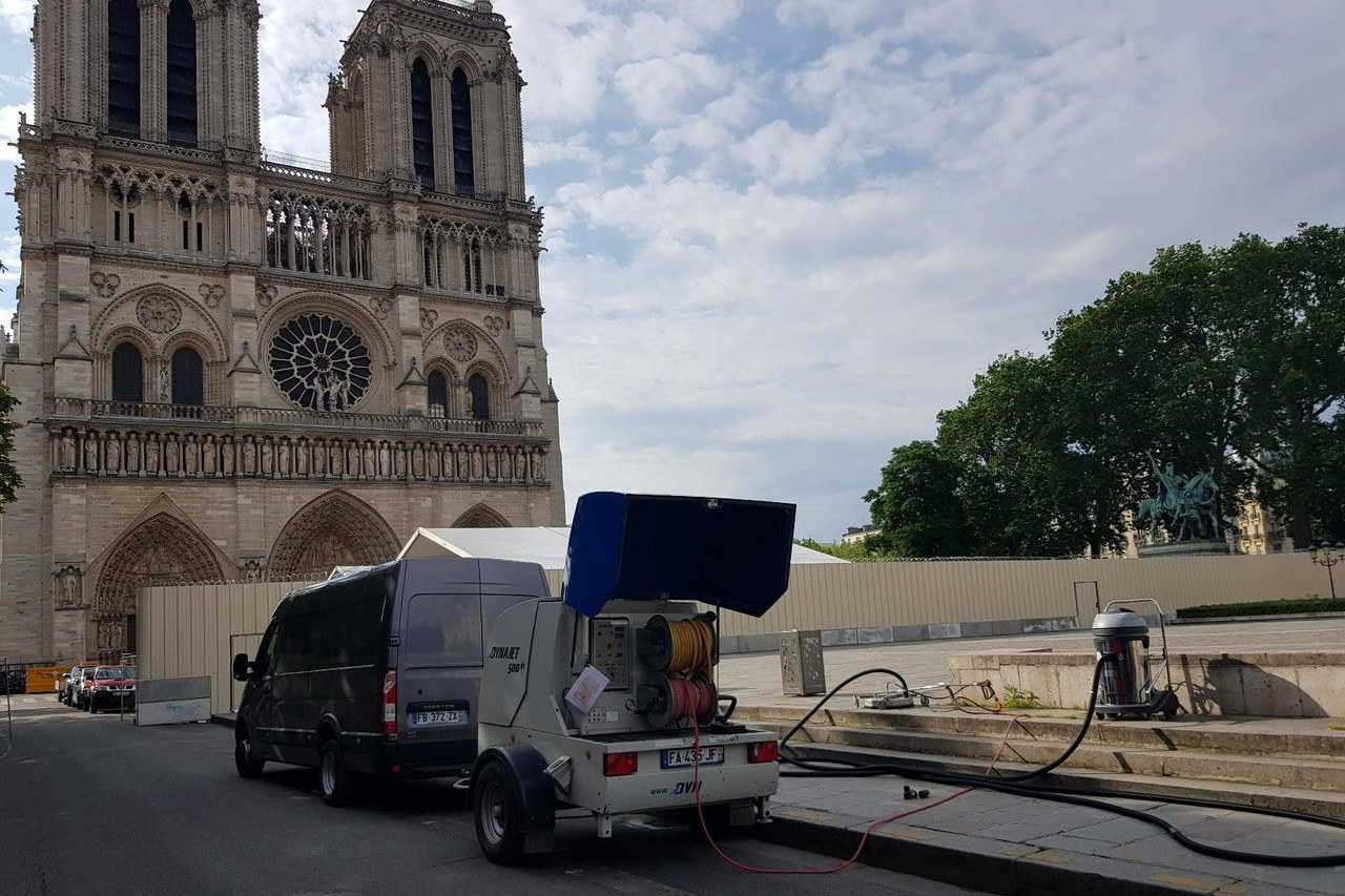 DYNAJET is supporting the restoration of Notre-Dame